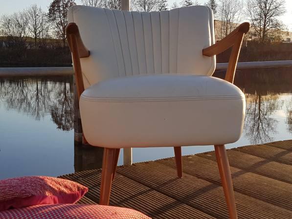 Robuuste cocktail fauteuils met armleuningen, nieuw te